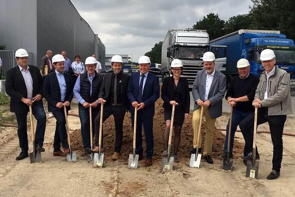 SAERTEX erweitert seine Produktionsfläche am Standort Saerbeck um weitere 10.000 Quadratmeter auf dann insgesamt mehr als 50.000 Quadratmeter.